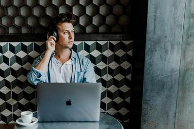 営業になるためにおすすめな勉強方法