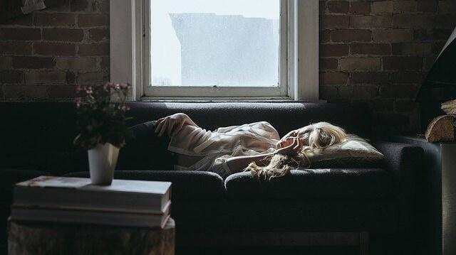 朝、「仕事行きたくない、家にいたい」と思う3つの理由